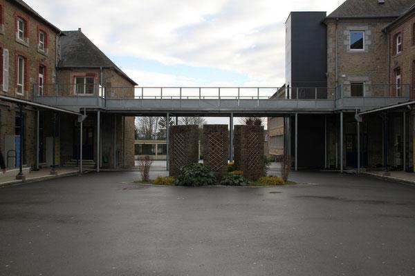 CMC Métallerie Avranches(50)-Passerelle- acier galvanisé accès handicapés