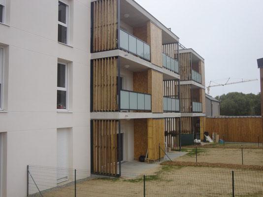 CMC Métallerie Avranches(50)-Cancale (35)-Balcons avec paroi cadre métallique et bois