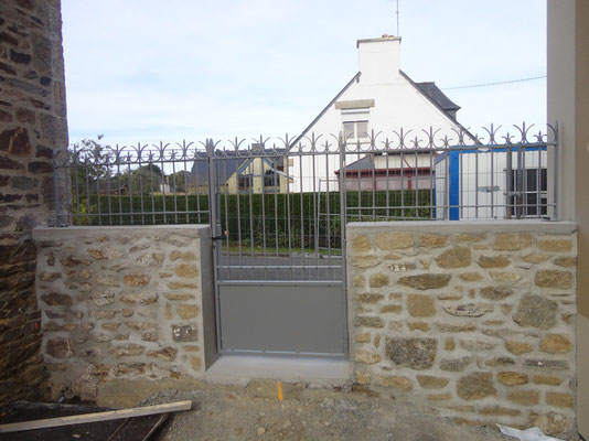 CMC Métallerie Avranches(50)-Portillon fer forgé acier galvanisé thermolaqué