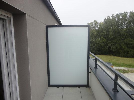 CMC Métallerie Avranches(50)-Pare-vue aluminium thermolaqué et verre opaque