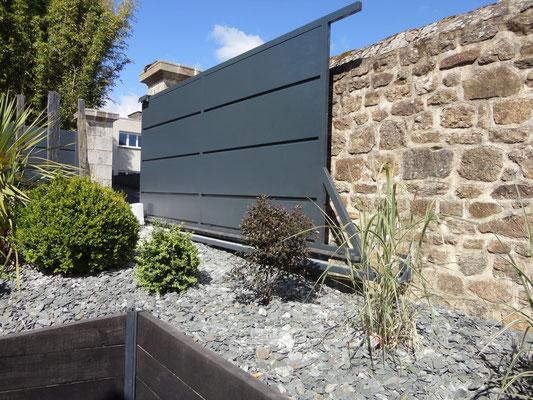 Portail contemporain aluminium thermolaqué