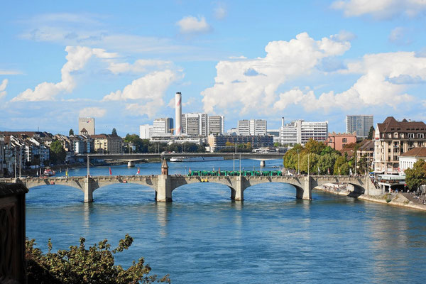Basel Rhein und Mittlere Brücke
