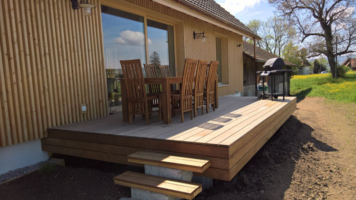 Strebel Holzbau Holzterrasse Podest
