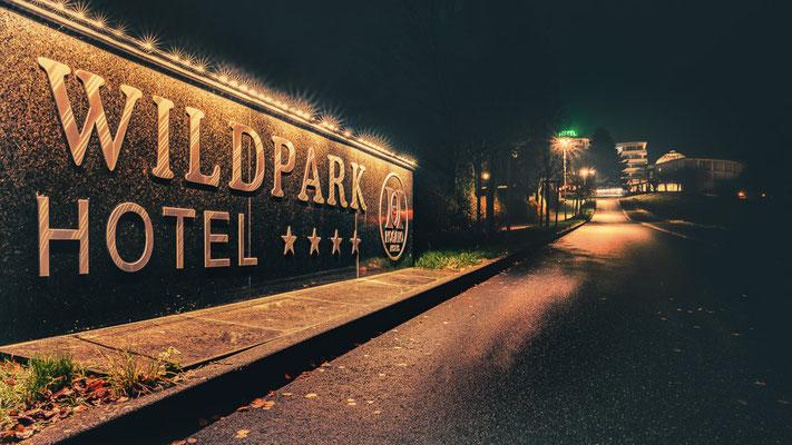 Wildparkhotel in Zinhain bei Nacht
