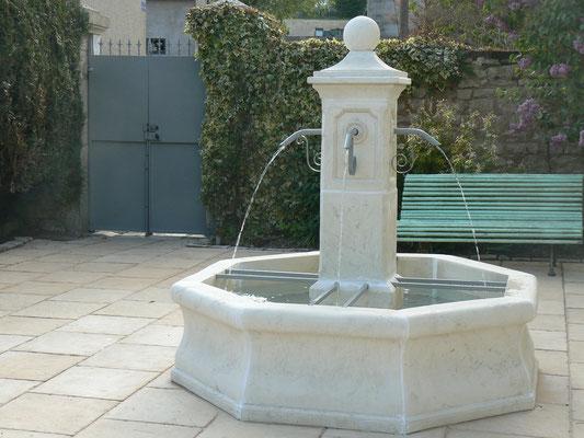 Fontaine - Maison de l'étang à Sampigny en Meuse