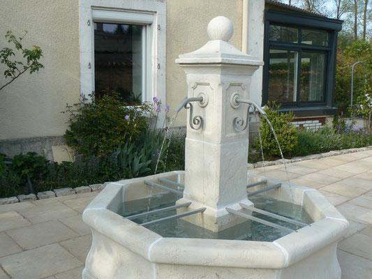 Fontaine - Maison de l'étang