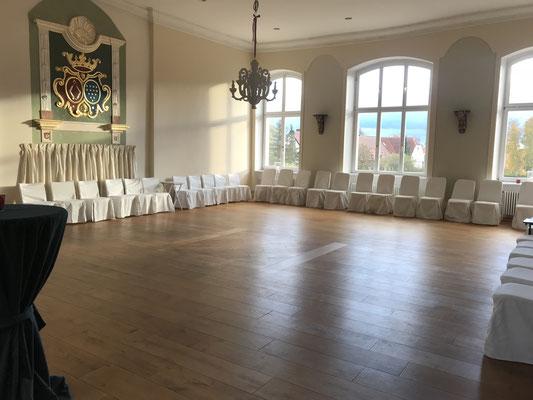 Der Festsaal im Herrenhaus Roggow