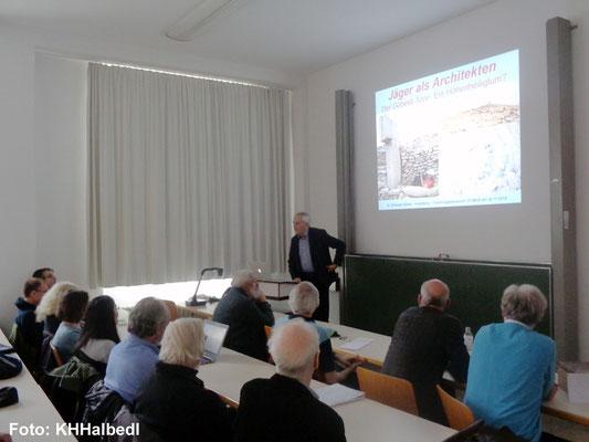 Luftbildarchäologe Rudolf Landauer stellte den Verein ArchaeNova e.V. vor