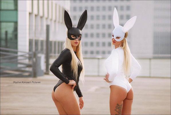 Duobunnys Black and White Bunnys Bunnyshow Mannheim sexy Bunnykostüme hot Bunnys Karlsruhe Frankfurt