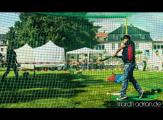 Marcin Adrian, www.marcinadrian.de, Baseball, Wesseling Vermins, Sport, werbekurier, Stadt Wesseling, Rathaus, Rathausplatz, Wesseling, Alfons, Müller, Platz, 50389 Wesseling, Köln, Bonn, Germany, Rhine, river Marcin Adrian - www.marcinadrian.de - Basebal