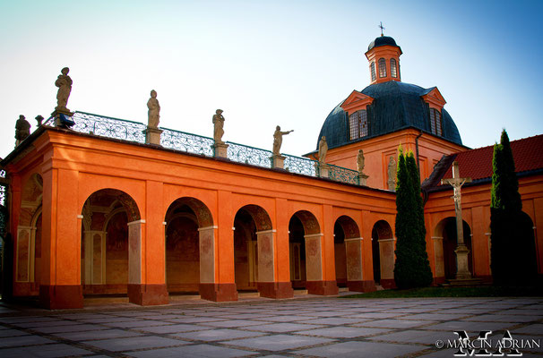 ©, Marcin Adrian, Kirche der Klosteranlage, Święta Lipka, Heilige Linde