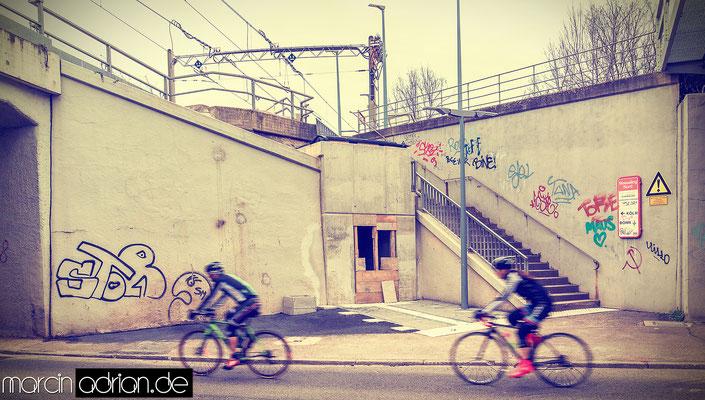 Marcin Adrian, www.marcinadrian.de, Linie 16 in Wesseling, Aufzug, Neue Treppe zum Bahnsteig der Linie 16 in Richtung Bonn, Unterführung, Wesseling, Stadt Wesseling, 50389 Wesseling, Köln, Bonn, Germany Marcin Adrian - www.marcinadrian.de - Linie 16 in We