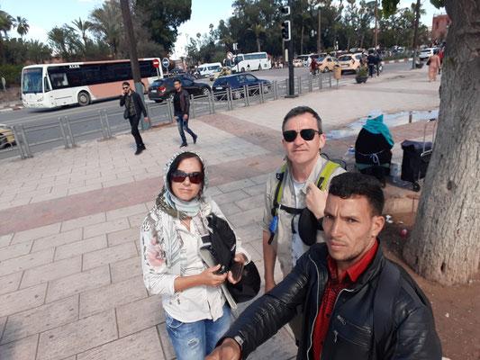 Einweisung in die Bedienung eines Selfie Sticks