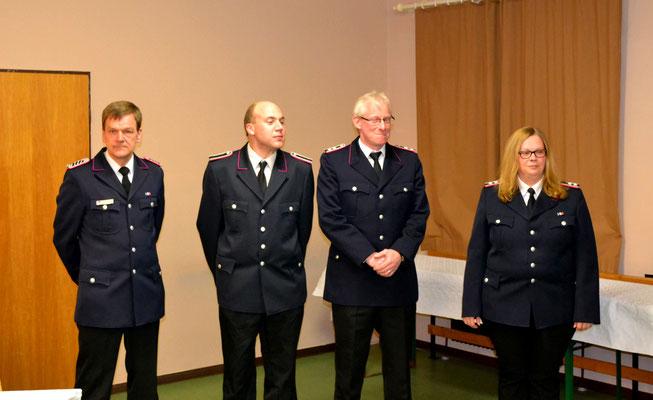 Für langjährige Mitgliedschaft wurden Joachim Hamann, Patrik Burmeister, Axel Kuhlmann und Nadine Paulsen geehrt