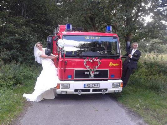 Unser LF8 war eigentlich für die Hochzeit von Mirco gebunden, aber trotzdem sofort einsatzklar