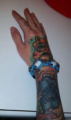 und Frauchen hat auch ein EMK Armband