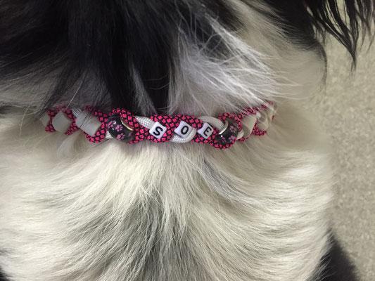 wieder ein Girly EMK Halsband ... diesmal für Soè