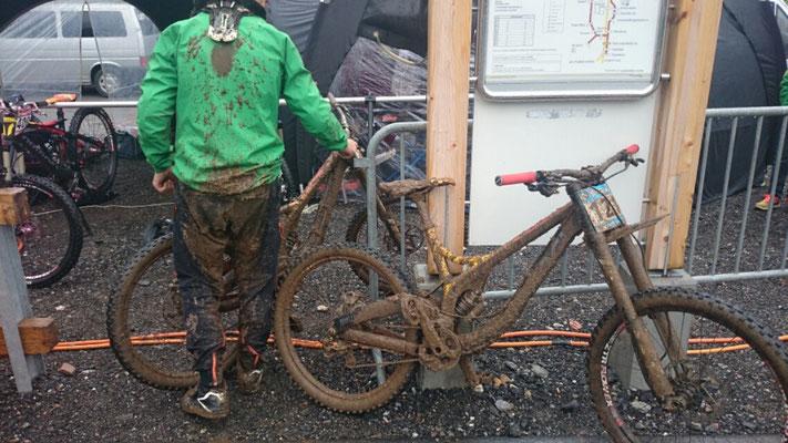 mmmhhhh da ist wohl Bike reinigen angesagt....