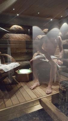 ....und aufwärmen in der Sauna natürlich auch