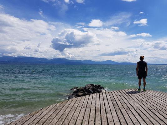 Running am Ufer vom Genfersee