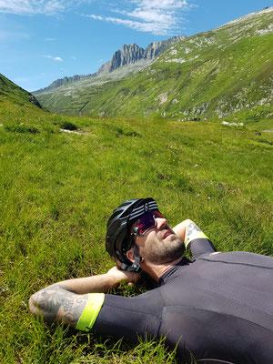 Etappe 2: Chur - Andermatt - geschafft auf der Passhöhe vom Oberalppass