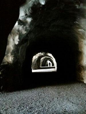 Einige Tunnels muss man durchlaufen