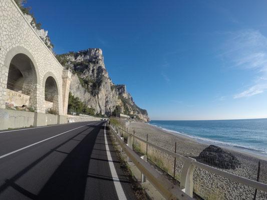 Schöne Tour entlang der Küste
