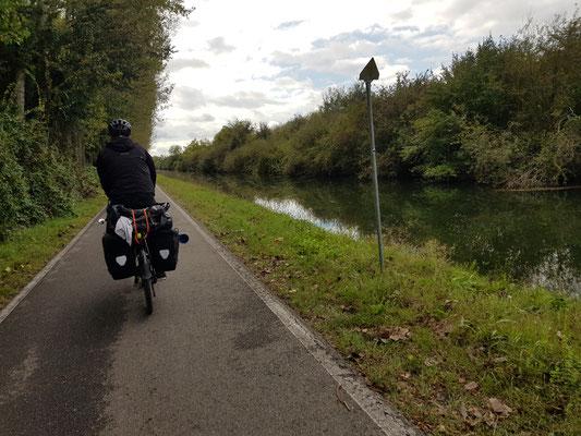 30 Kilometer gerade aus bis Pavia