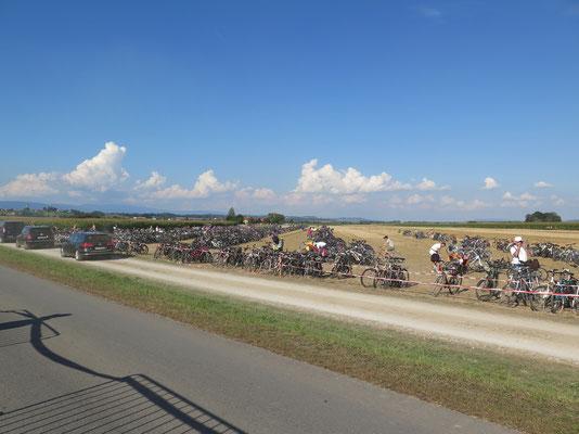 Ende der Flugshow...finde dein Fahrrad :)