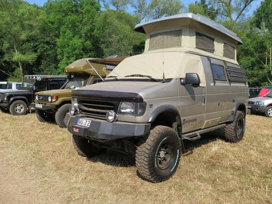 Camping Area: Unsere Nachbarn mit dem Ford