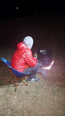 Einblick in unser Campingleben: Abendessen kochen