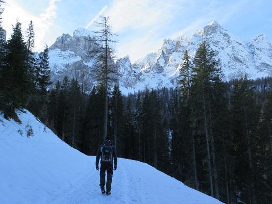 Schneeschuhtour zurzeit eher Winterwandern
