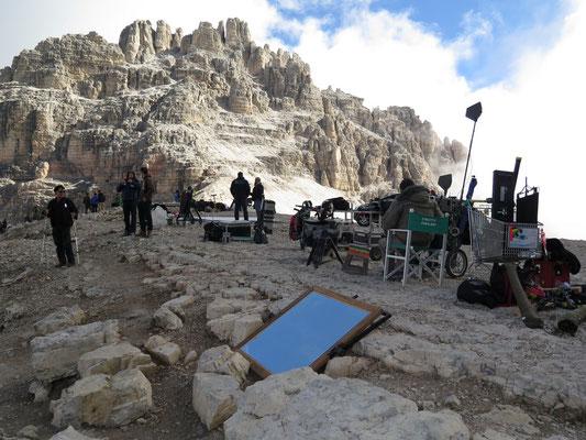 Auf dem Gipfel fanden gerade Dreharbeiten mit Terence Hill statt (Fernsehserie: Un passo dal cielo)