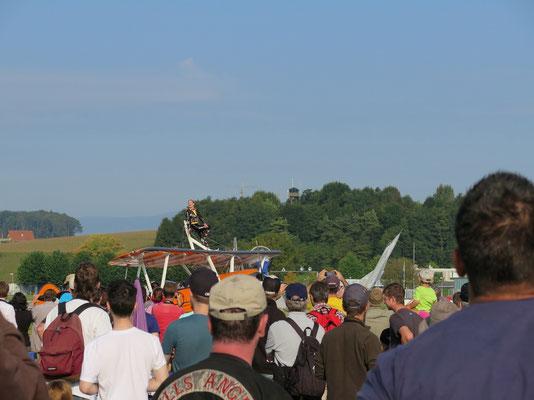Das Breitling Wingwalker Team beim Start