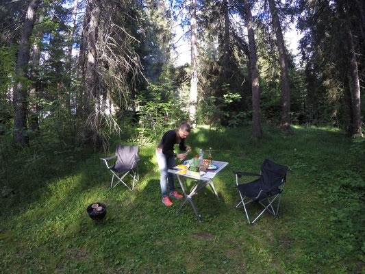 Abendessen auf dem Camping