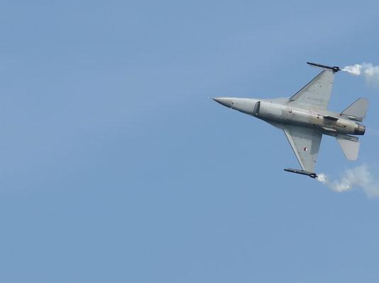 F-16 aus den Niederlanden - Super Show geflogen!!