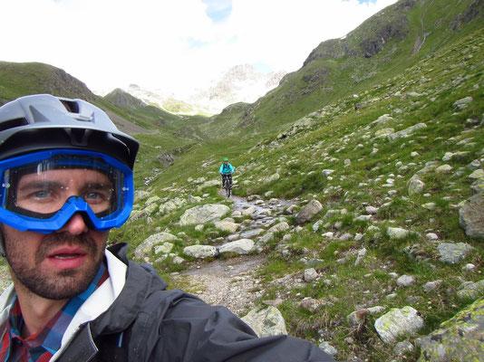 ..runter zur Alp Suvretta 2311müM
