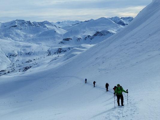 Start der ersten Schneeschuhwanderung am Samstag