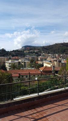 Mountainbiketour: Ausblick über Finale Ligure, die Tour startet auf der anderen Seite der Stadt