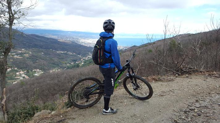 Mountainbiketour: Super Aussicht auf Savona