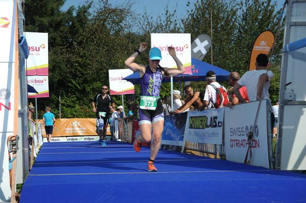 Geschafft: Corry's ersten Triathlon in 1:25.34