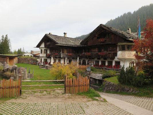 Unser Luxuscamping Platz: Wellness Anlage, 3 Restaurants, Camping Shop und und und...