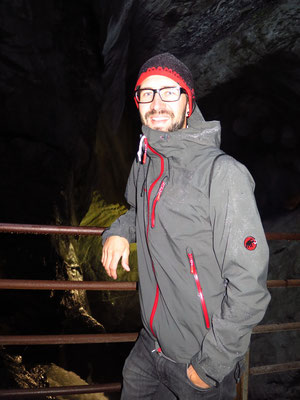 Trümmelbachfälle..ganz schön nass und kalt ca. 8 Grad - draussen 31 Grad!