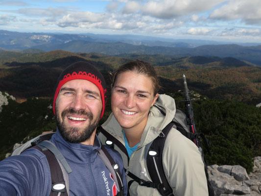 Wir haben es geschafft und stehen auf dem Gipfel Risnjak auf 1528 MüM
