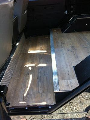 innenausbau land rover defender immer unterwegs. Black Bedroom Furniture Sets. Home Design Ideas