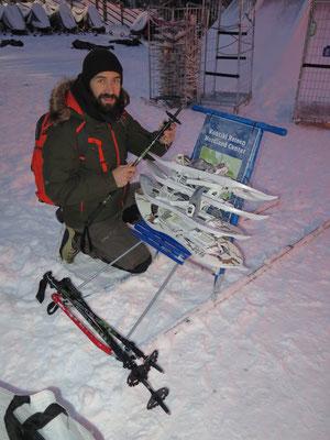 Tretschlitten und Schneeschuhe abholen