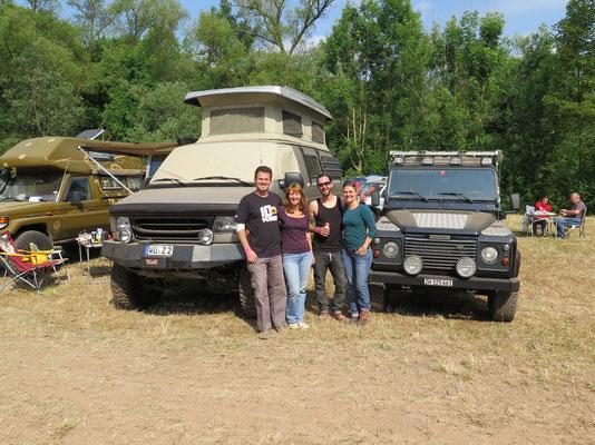 Camping Area: Unsere Nachbarn mit dem Ford (Chris & Claude werden Freude haben;))