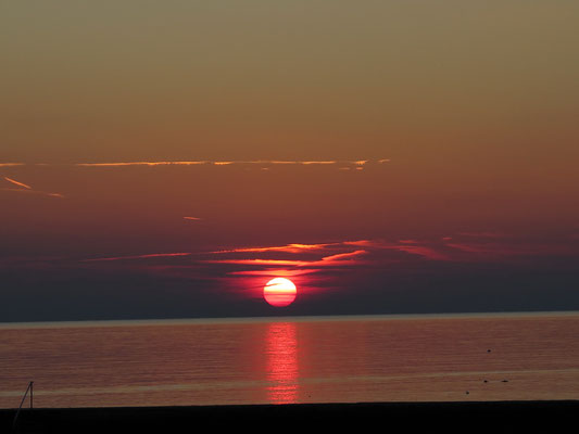 Wunderbarer Sonnenuntergang direkt vor der Haustüre