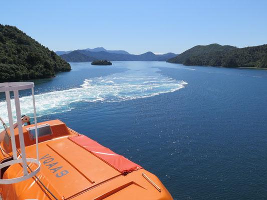 Fährenfahrt über den Cook Strait durch die Marlborough Sounds