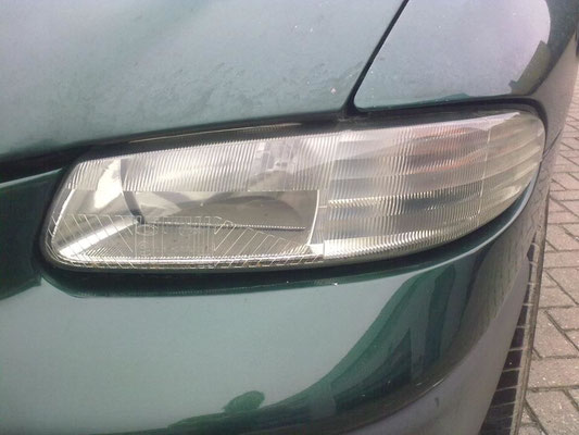 Het polijsten verwijdert de verwering en zorgt voor een heldere koplamp | A1 Car Cleaning